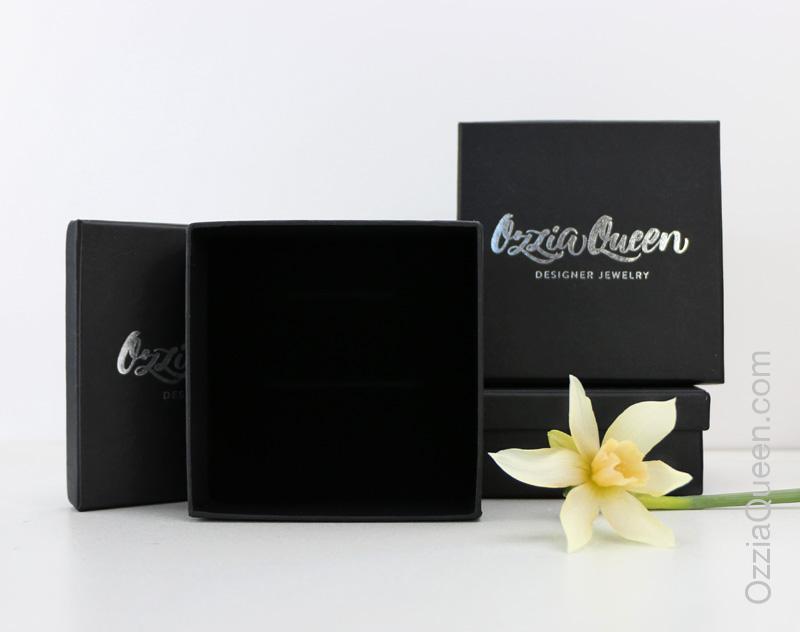 Подарочная коробочка Ozziaqueen